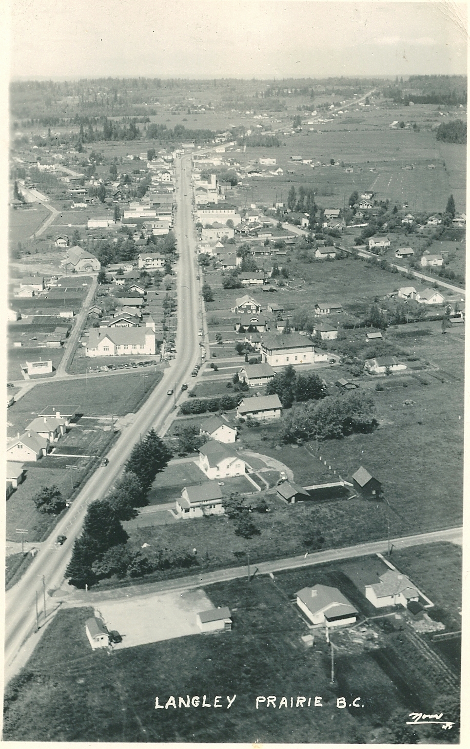 Looking west, 208th St at bottom, circa 1940